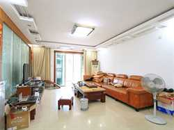嘉盛豪园3居,电梯高层,诚意出售。