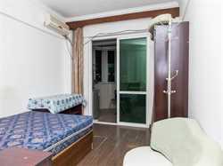 旭日海湾三期1居电梯。提包入住。产权清晰l.离海边很近的