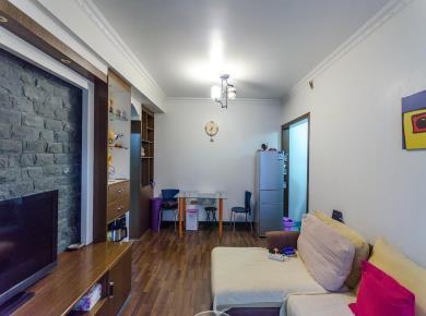 金盛花园 正规1房1厅1卫1阳台 居家装 楼层佳  满5年