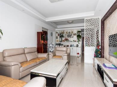 房东精装自住4房 位置安静 送家具电 产权满二 送20平换房