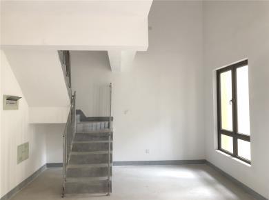 春江郦城楼中楼97平用130平 360万