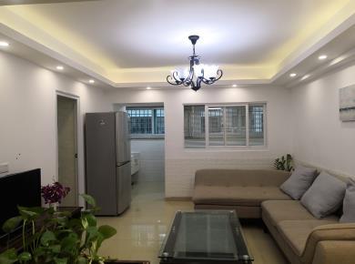 繁华烫金地段豪峰大厦 3室2厅1卫 76.0平米335万元。