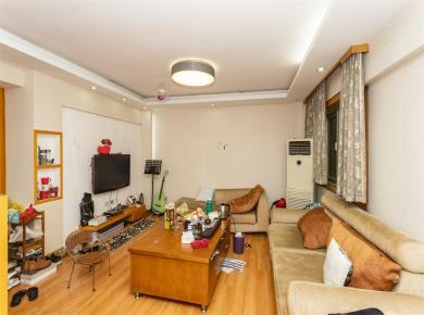 龙江大厦,带电梯3房,房子楼层好,房子产权证满5年