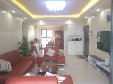 三房两厅两卫户型方正客厅卧室朝南采光通风全明格