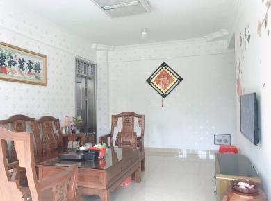 3室2厅 82平 电梯房 满二 锦辉国际花园 精装修 看房方便