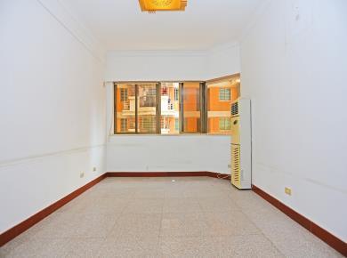 看房有锁,满2年,80平露台,西南朝向,宏华大厦,电梯大3房