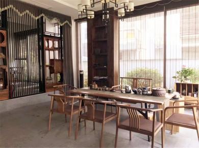 台湾山庄三期,巴厘香墅,可使用约2亩。大双拼墅,精装修,