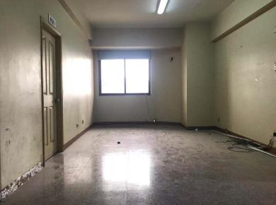 宏华大厦4居电梯