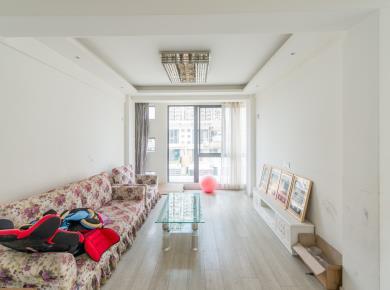 美地雅登三期3居大阳台独立卫浴有厨房